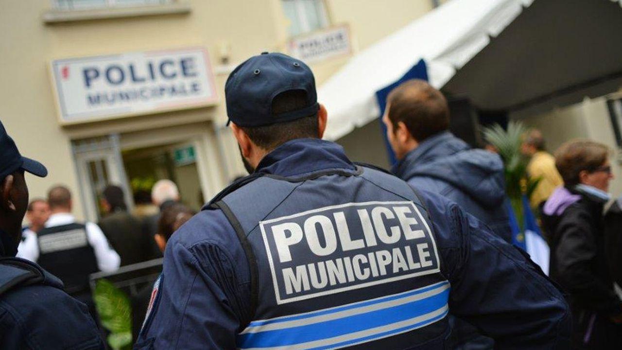 Les horaires de service de la police municipale de Villejuif seront étendus, pour atteindre progressivement une ouverture de 8heures à 3heures du matin, 7 jours sur 7.