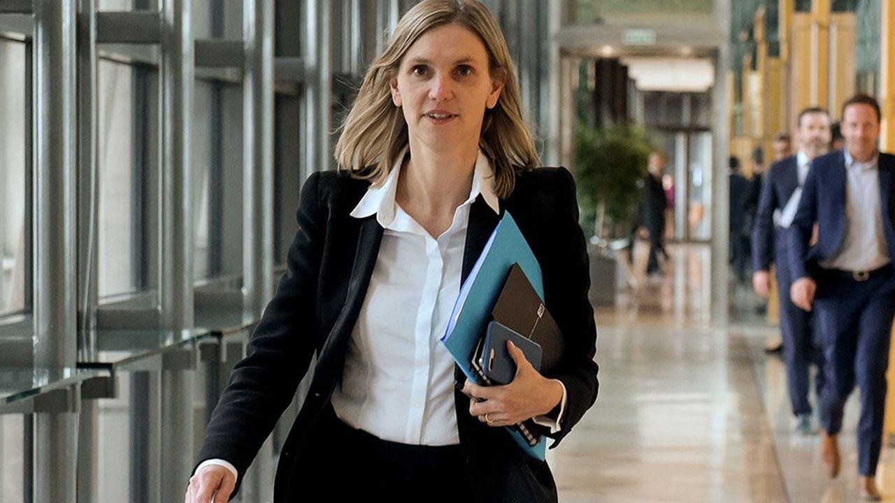 La secrétaire d'Etat auprès du ministre de l'Economie, Agnes Pannier-Runacher, a présenté lundi en Conseil des ministres le nouveau code des marchés publics.