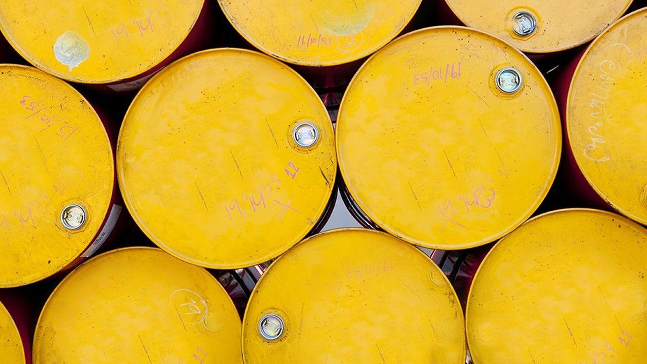 A chaque flambée des cours du pétrole revient le débat sur la fiscalité des carburants, et sur la possibilité pour l'Etat de moduler les taxes en fonction du cours du baril.