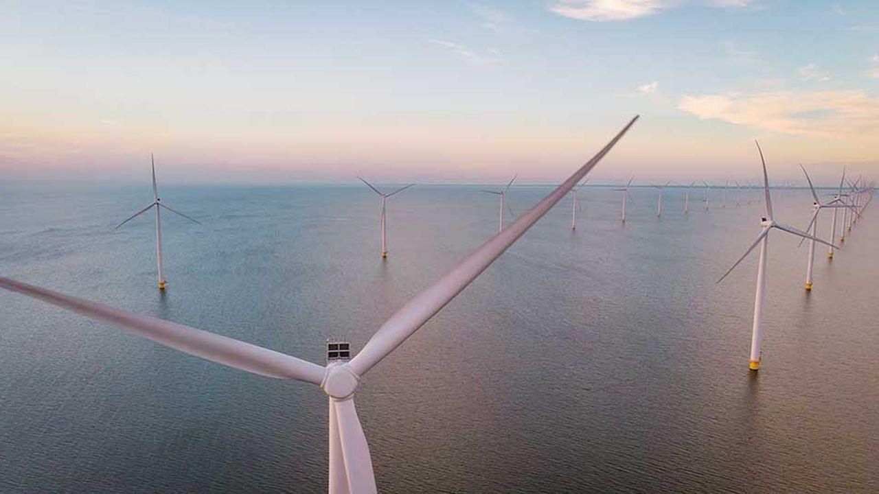 «Dans les années qui viennent», il y aura de 2,5 à 3 GW de puissance installée pour l'éolien en mer posé et 1 GW pour l'éolien flottant, a précisé le ministre de la Transition écologique François de Rugy aux Assises de l'économie de la mer, à Brest ce mercredi.