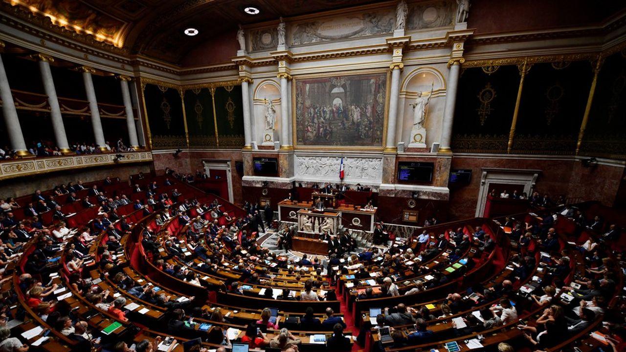 Le texte du MoDem, cosigné par des élus d'autres groupes, a été adopté par 51 voix contre 1 et trois abstentions.