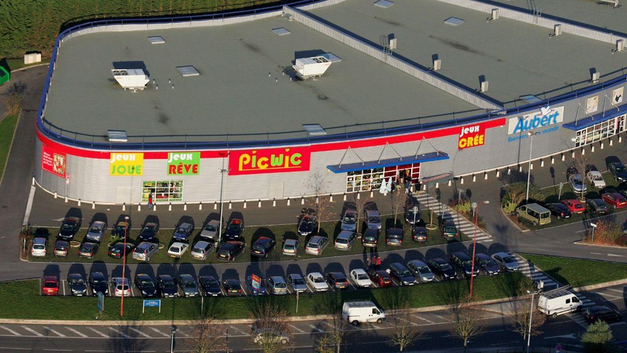 Jellej Jouets, associé à la famille du fondateur de la chaîne Picwic, a repris Toys''R''Us France.