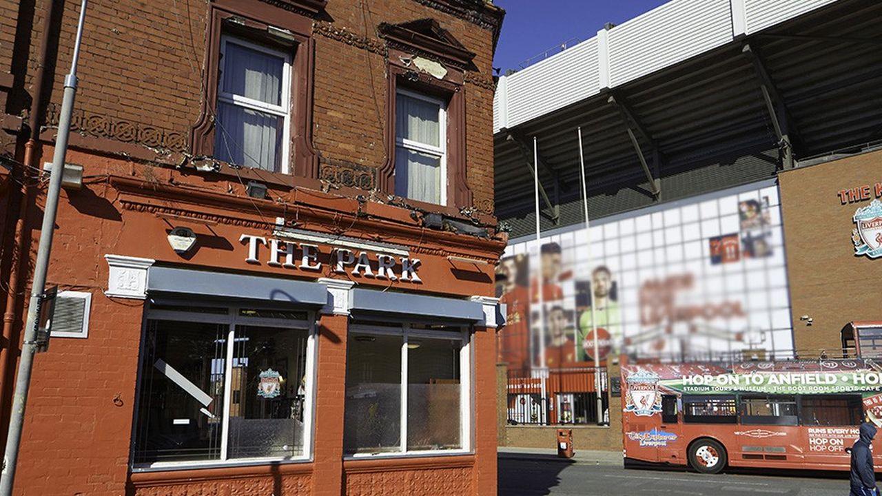 Les petits établissements, comme celui-ci à Liverpool, sont durement touchés par l'augmentation des taxes ces dernières années