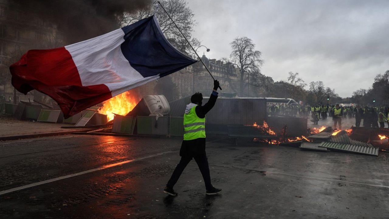 Selon le ministre de l'Intérieur, à midi, 36.500 manifestants étaient recensés sur l'ensemble du territoire, dont 5 500 à Paris.