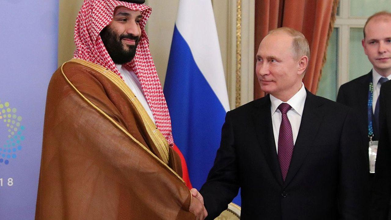 Poignée de main officielle samedi entre le président russe Vladimir Poutine et le prince héritier saoudien Mohammed ben Salmane, en marge du G20, à Buenos Aires.