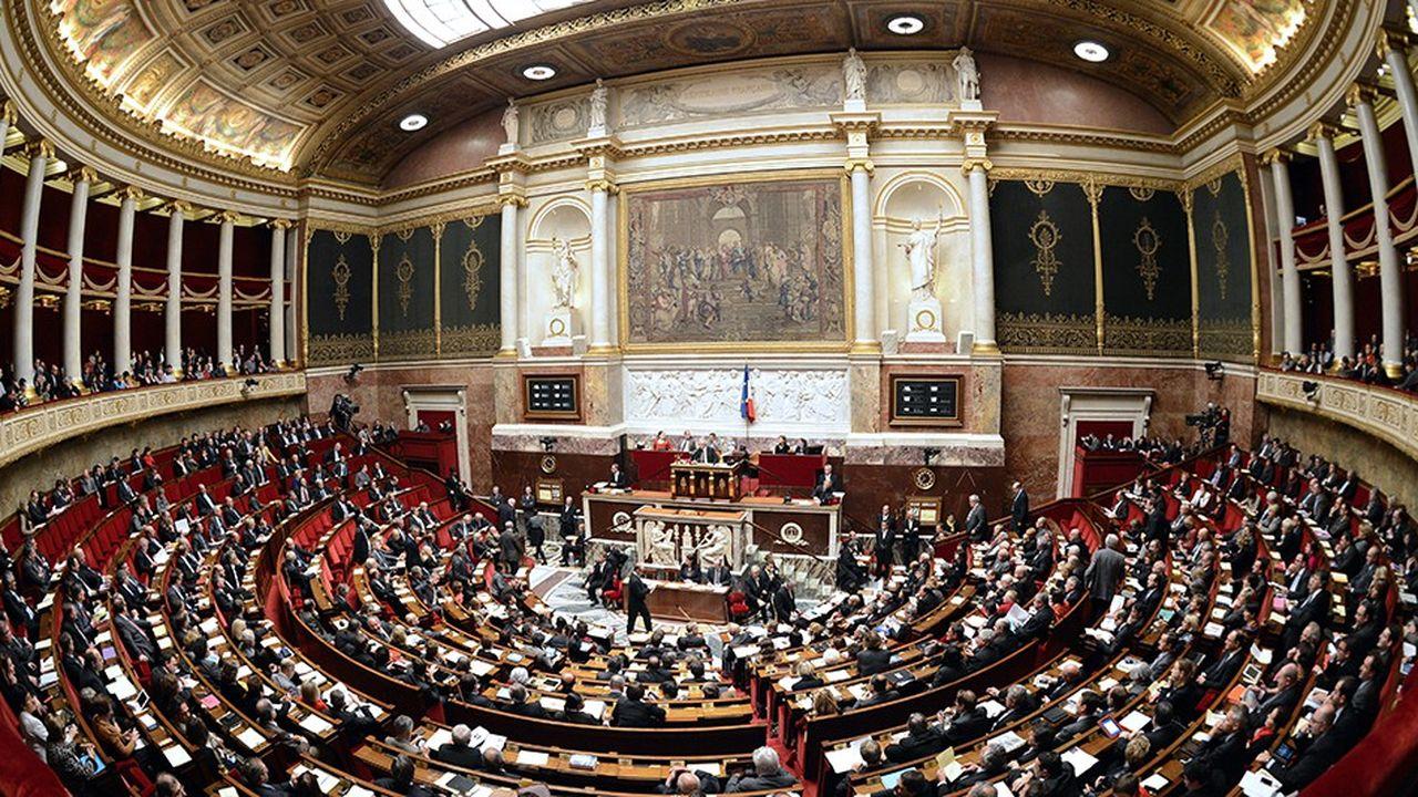 Les députés de la majorité multiplient les propositions pour sortir de la crise des «gilets jaunes»