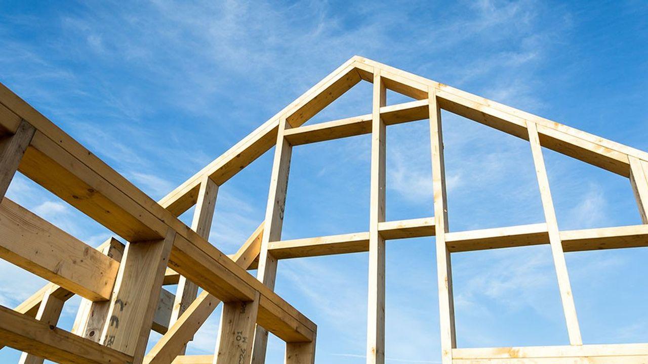 Constructeur Maison En Bois Limoges le charpentier martinet passe à la maison en bois | les echos