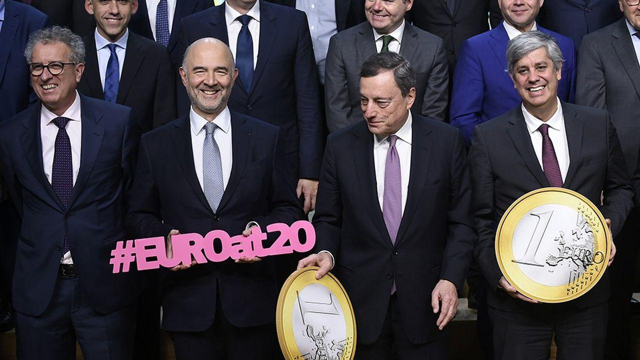 Les membres de l'Eugroupe réunis lors des vingt ans de l'euro.