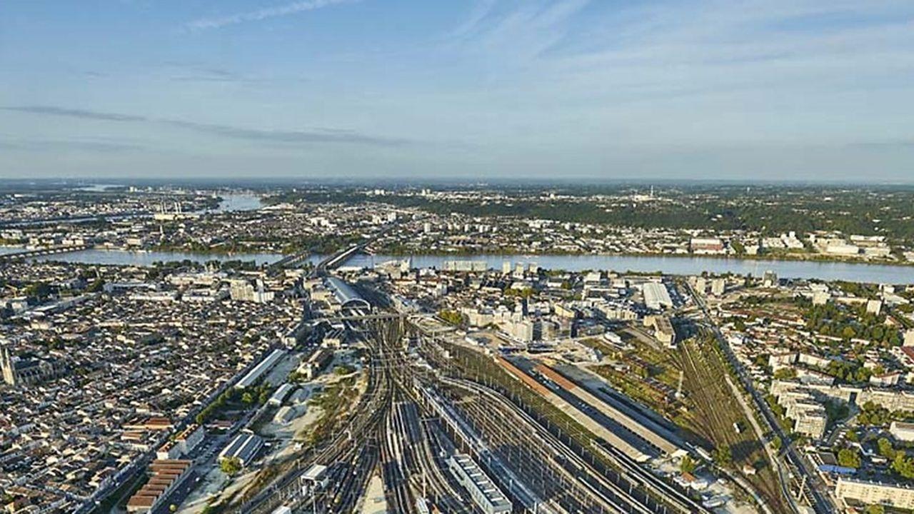L'établissement public d'aménagement Bordeaux Euatlantique prévoit d'aménager 450 hectares à cheval sur Bordeaux, Floirac et Bègles.
