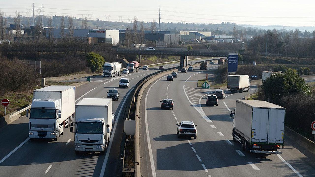 Deux syndicats de routiers, la CGT et la FO, appellent à des actions pour la défense du pouvoir d'achat.