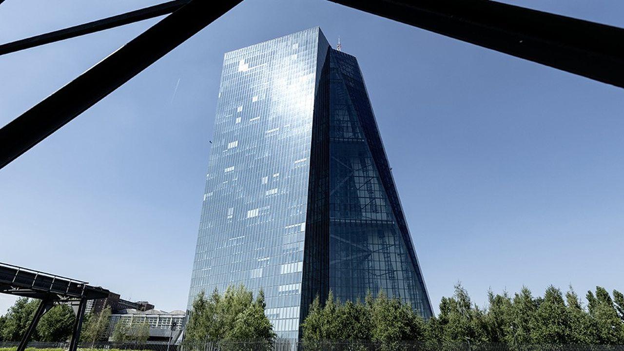 La BCE n'a pas encore relevé ses taux et met tout juste fin aux achats de dette