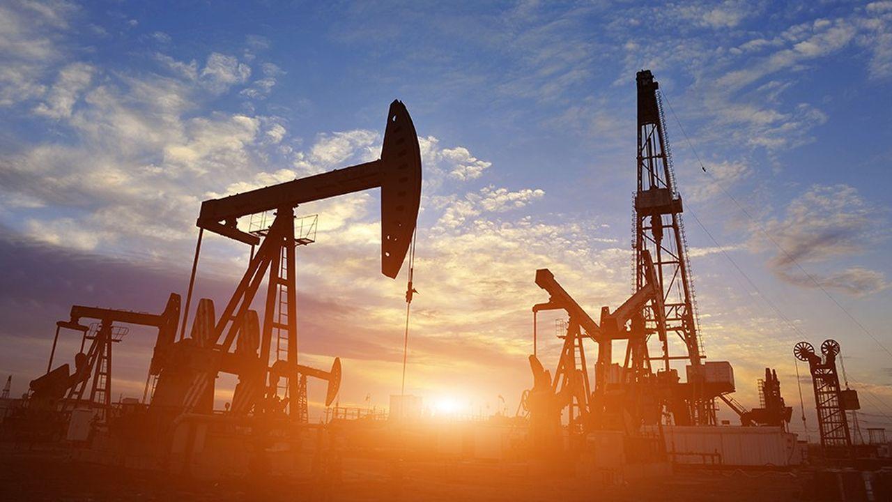 Le pétrole était orienté en forte baisse jeudi en début de soirée.