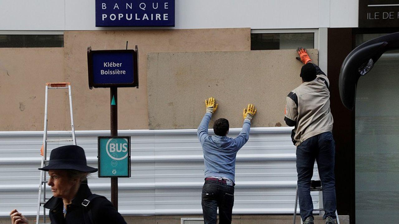 Au moins 80 agences bancaires ont été vandalisées samedi dernier, pour la plupart à Paris, en marge de la manifestation des «gilets jaunes».