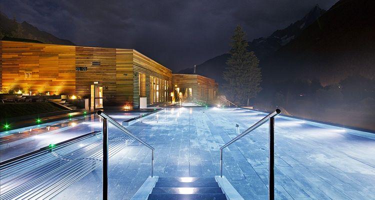 Le premier QC Terme français a ouvert cet automne à Chamonix en face du glacier des Bossons
