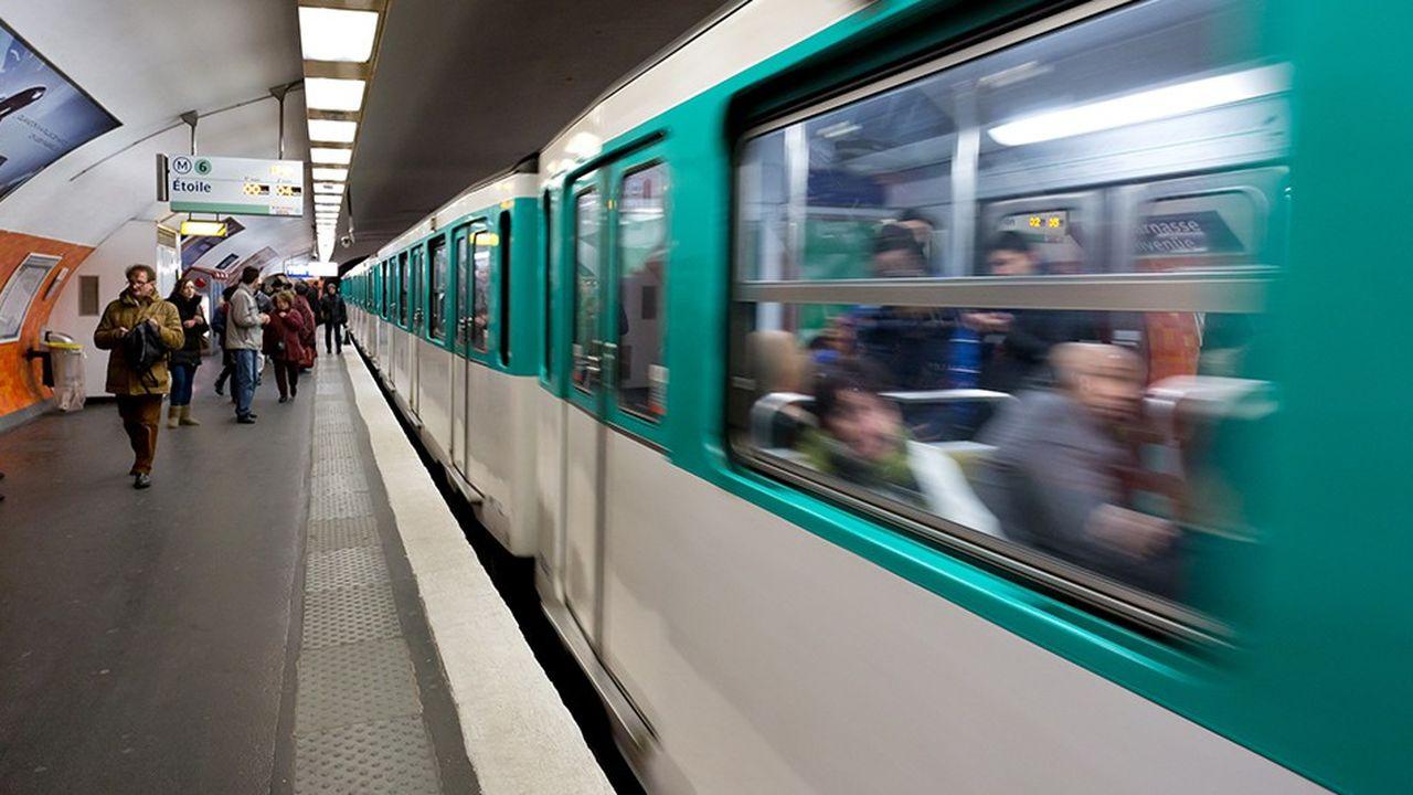150.000 à 200.000 collégiens, lycéens et étudiants bénéficient déjà d'un pass à moitié prix en Ile-de-France.