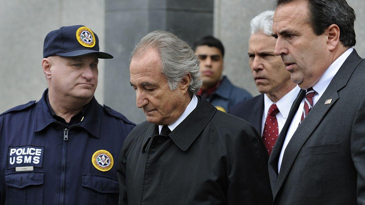 Bernard Madoff à sa sortie du tribunal le 10mars 2009.