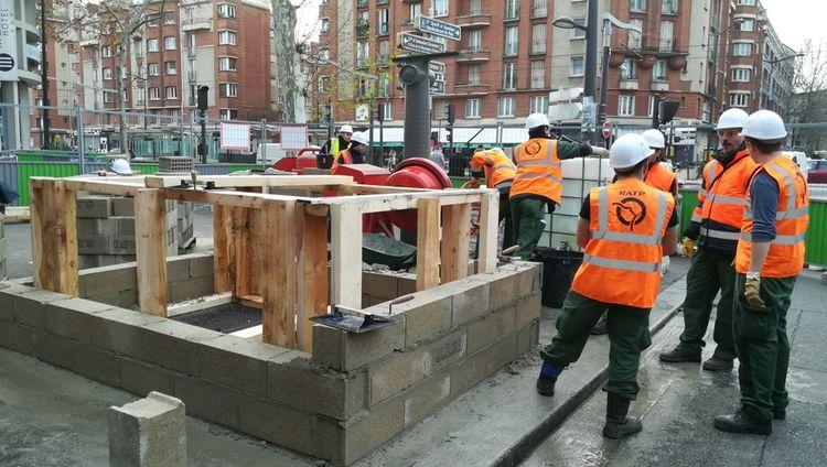 En cas de crue de la Seine, il faudrait protéger l'ensemble des bouches d'aération des stations menacées.