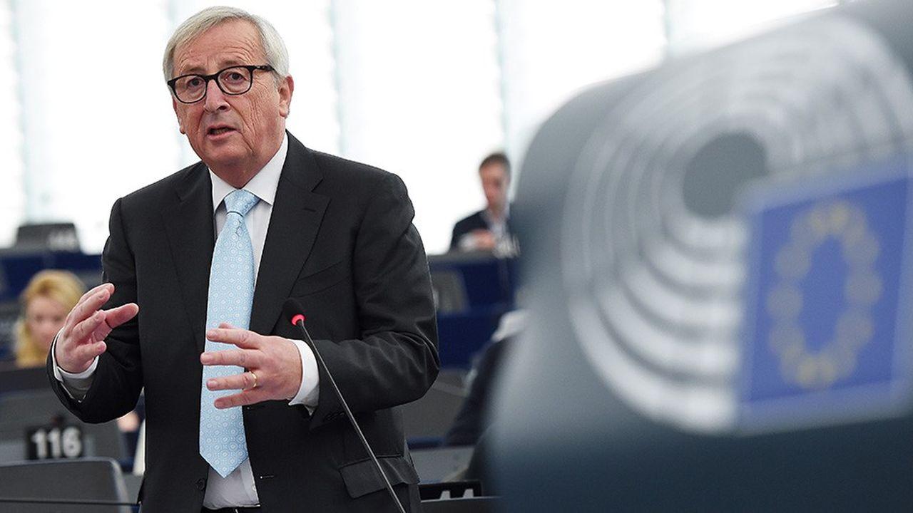 Le président de la Commission européenne, Jean-Claude Juncker, s'exprime devant le Parlement européen avant un sommet des chefs d'Etat.