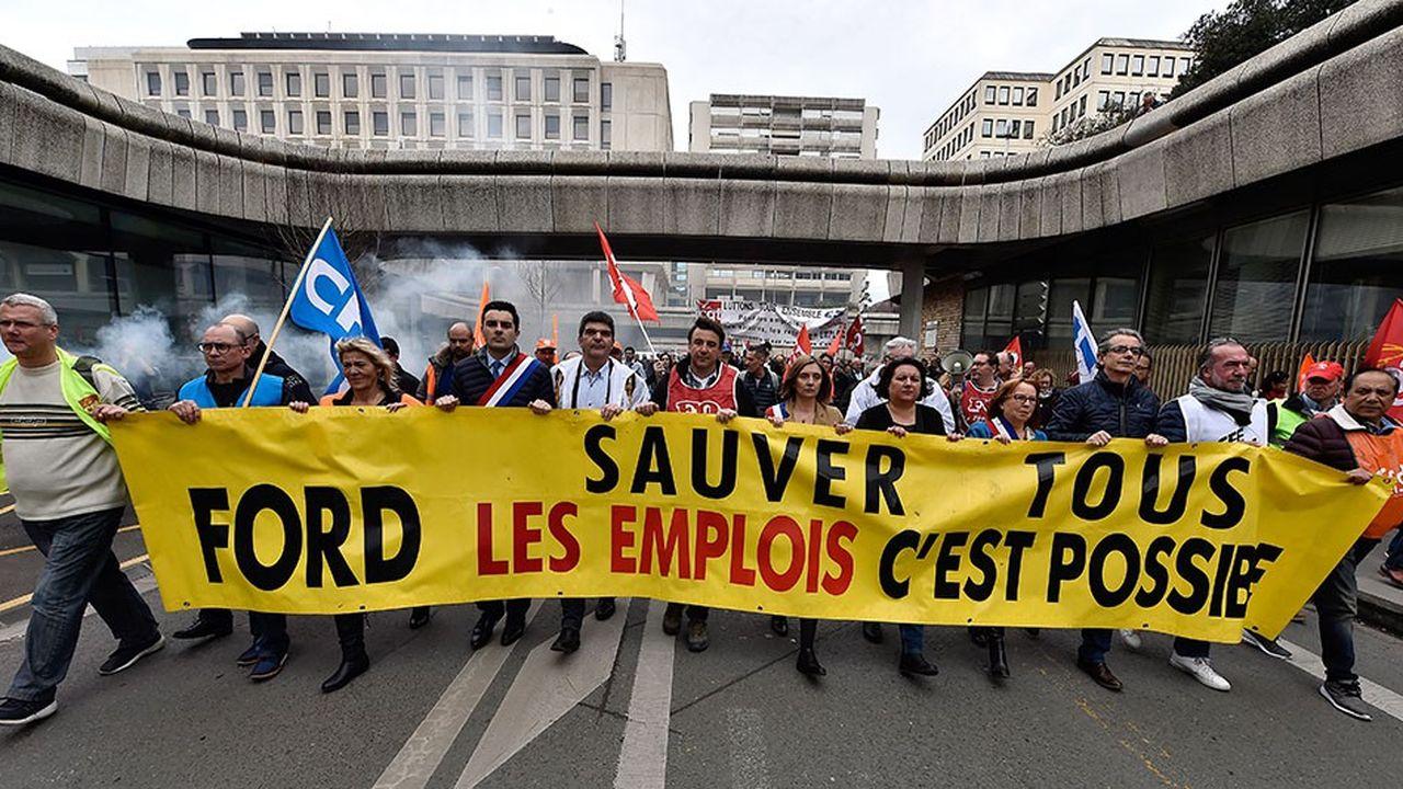 Manifestation des salariés de l'usine Ford au printemps à Bordeaux.