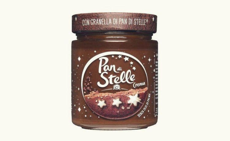 Les pots «Pan di Stelle» n'auront ensuite que la forme de commun avec le Nutella. On n'y trouvera pas une goutte d'huile de palme, mais de l'huile de tournesol.