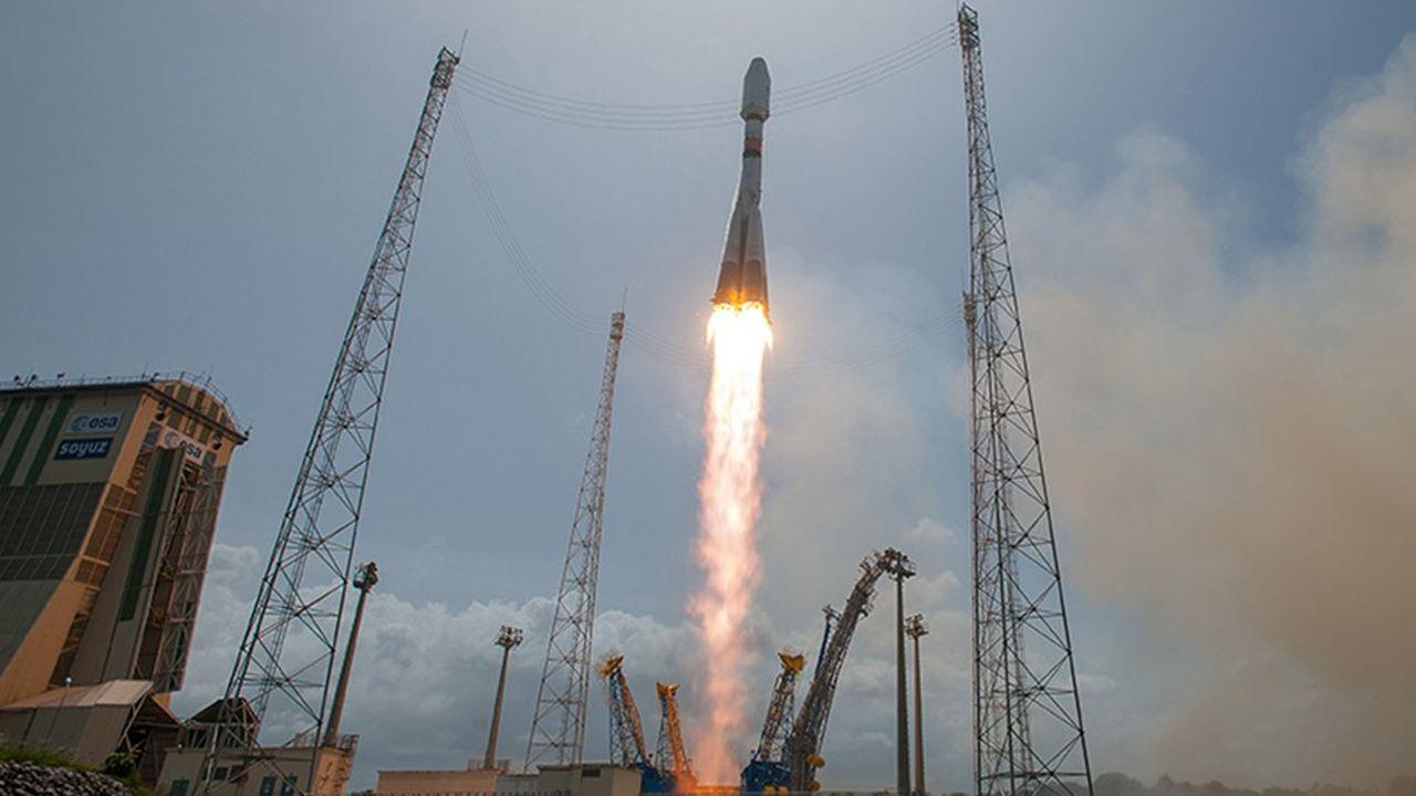C'est la vieille fusée russe Soyouz exploitée à Kourou par Arianespace qui mettra en orbite le nouveau satellite militaire français CSO-1.