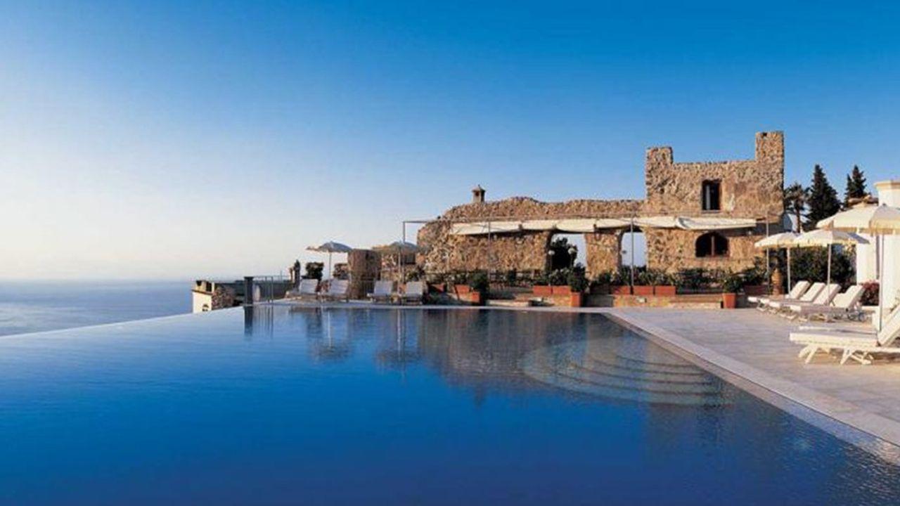 Belmond détient des hôtels mythiques, comme le Caruso installé dans un ancien palais du XIesiècle sur la côte d'Amalfi.