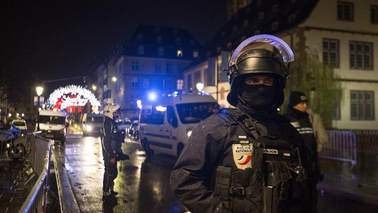 Le 11 décembre, un attentat terroriste sur le marché de Noël de Strasbourg a causé la mort de trois personnes. Cinq personnes ont été gravement blessées et huit légèrement, selon un bilan encore provisoire.
