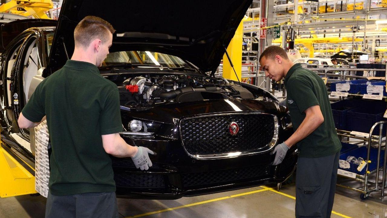 Jaguar Land Rover emploie actuellement 43.000 personnes au Royaume-Uni.