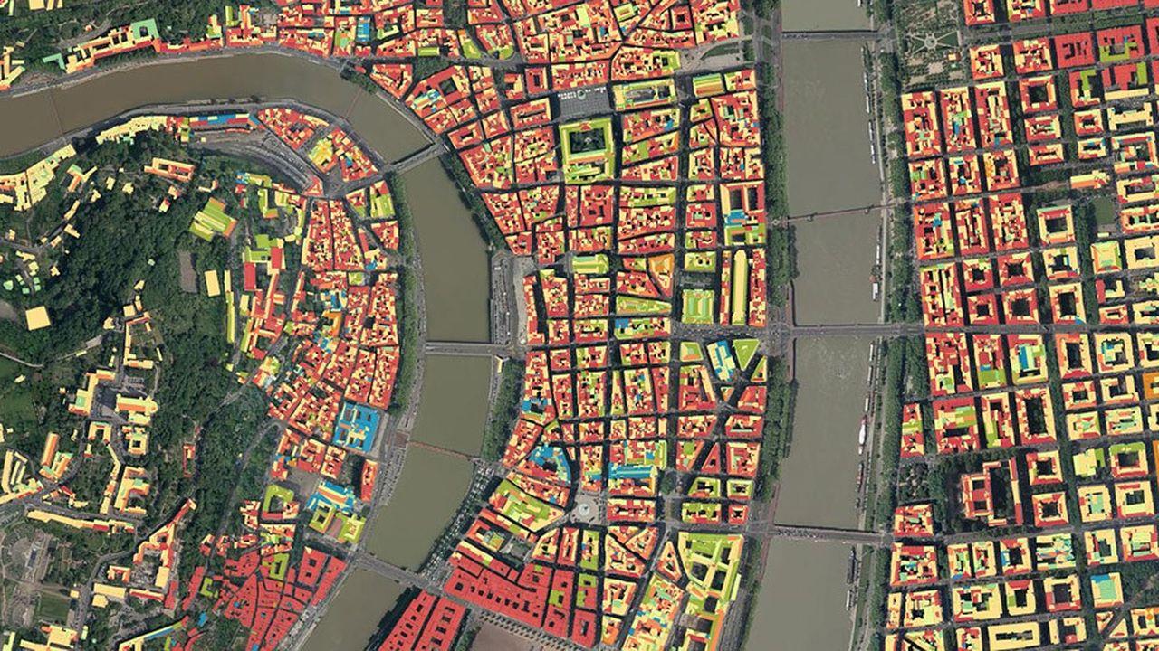 plan aérien de la Métropole de Lyon permettant au public de savoir si son toit permet d'installer favorablement des panneaux solaires.