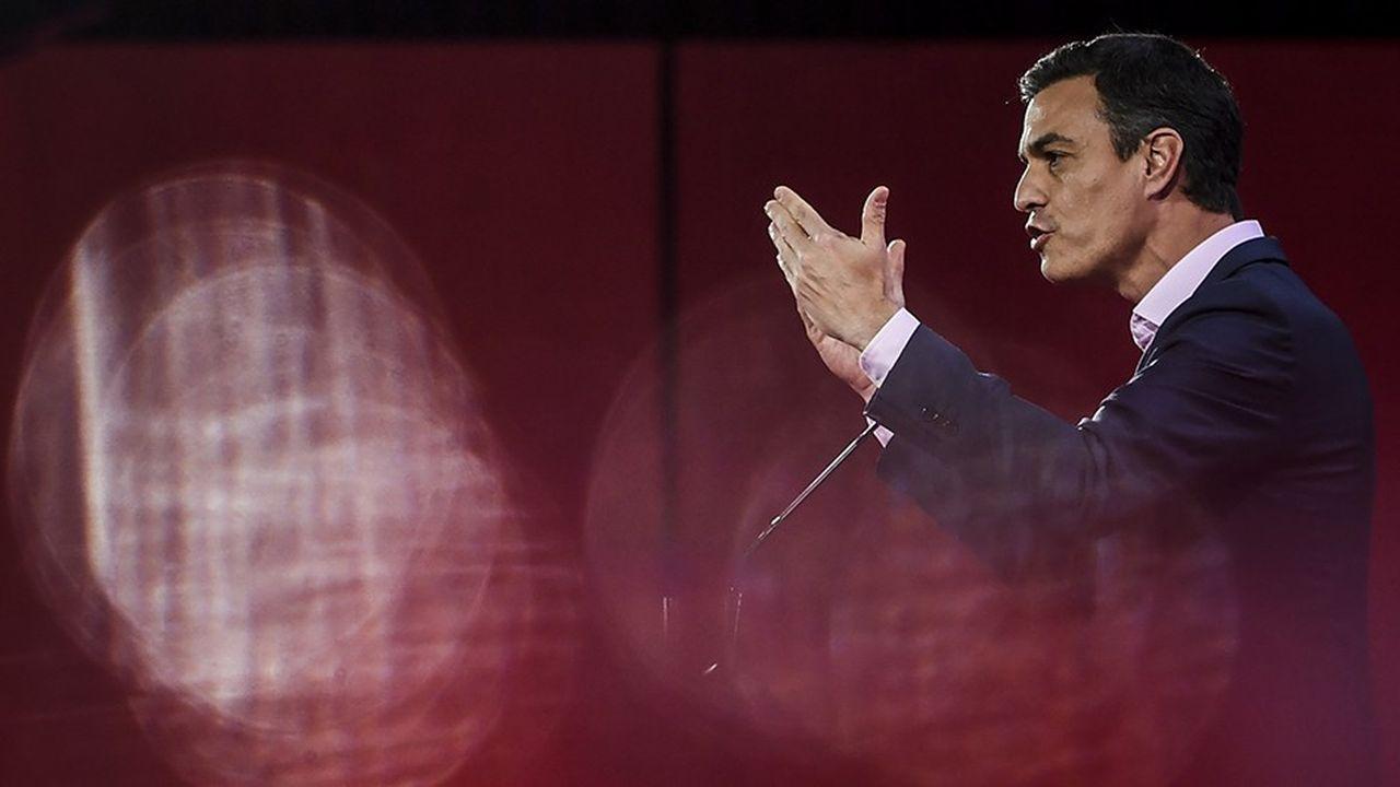 La hausse du SMIC espagnol de 22% entrera en vigueur «à partir de 2019» a indiqué le chef du gouvernement espagnol Pedro Sánchez. C'est la hausse la plus importante, «depuis 1977».