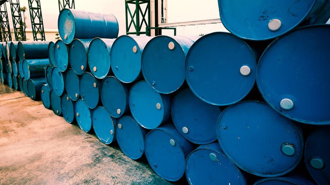 Un ralentissement de l'économie mondiale entraînerait une baisse de la demande en pétrole.