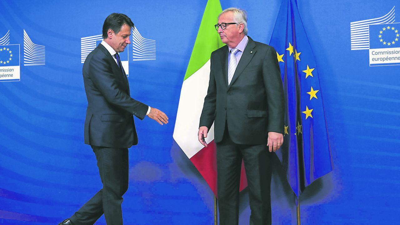 Le président du conseil italien Giuseppe Conte et le président de la Commission Européenne Jean-Claude Juncker