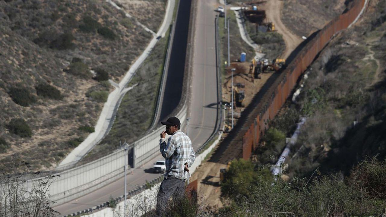 Le président américain réclame 5milliards de dollars pour financer le mur à la frontière avec le Mexique