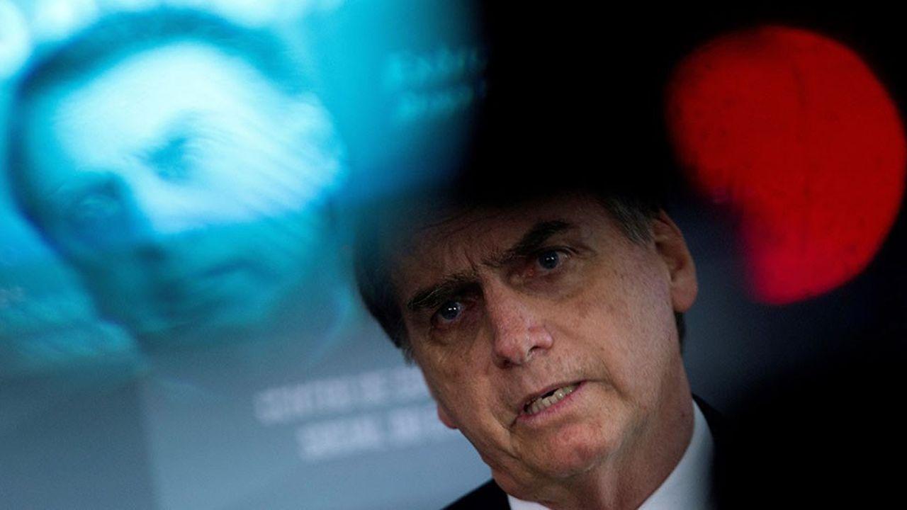 Le président brésilien élu Jair Bolsonaro, surnommé le « Trump de l'Amérique latine », s'en est pris violemment à la France.