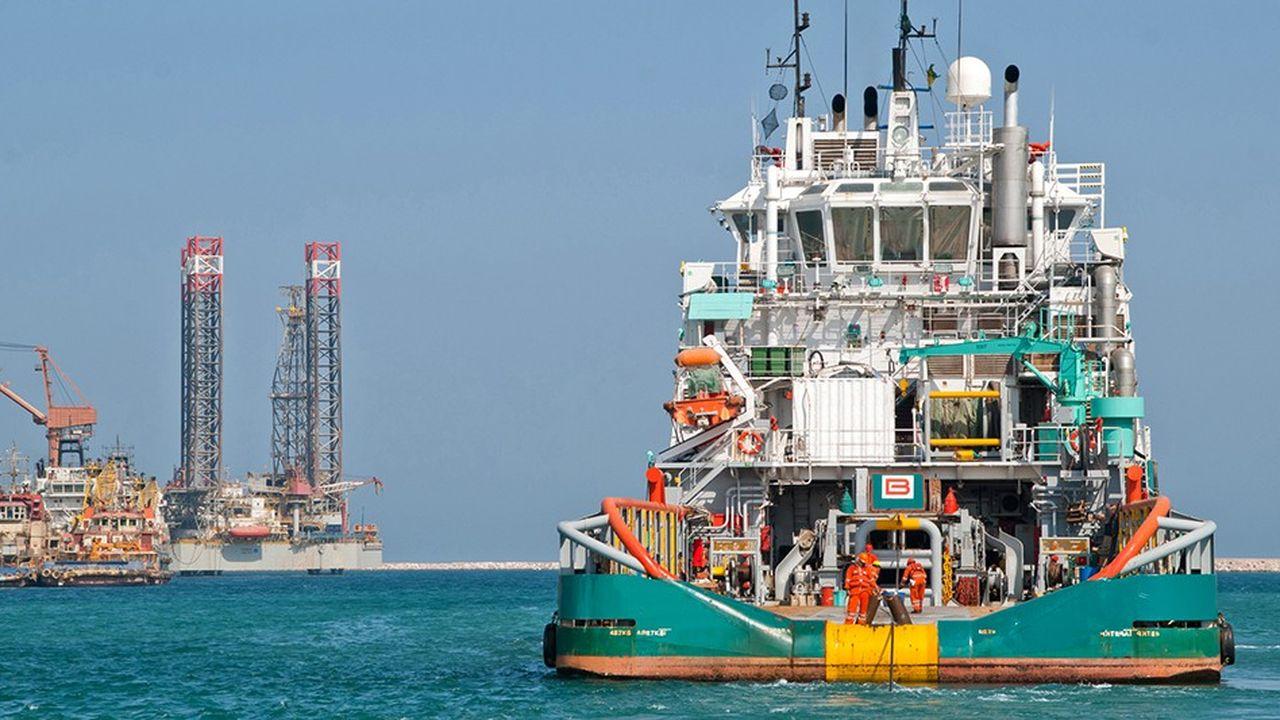 Bourbon est spécialisé dans les services en mer pour les compagnies pétrolières et leurs fournisseurs: maintenance et réparation des installations offshore, transport du personnel vers les plates-formes…