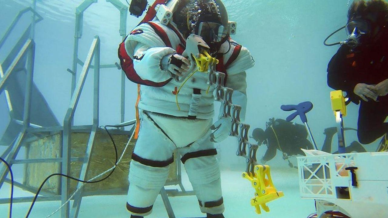 Dans le cadre du projet Moonwalk, l'entreprise a par exemple développé un scaphandre, Gandolfi 2.