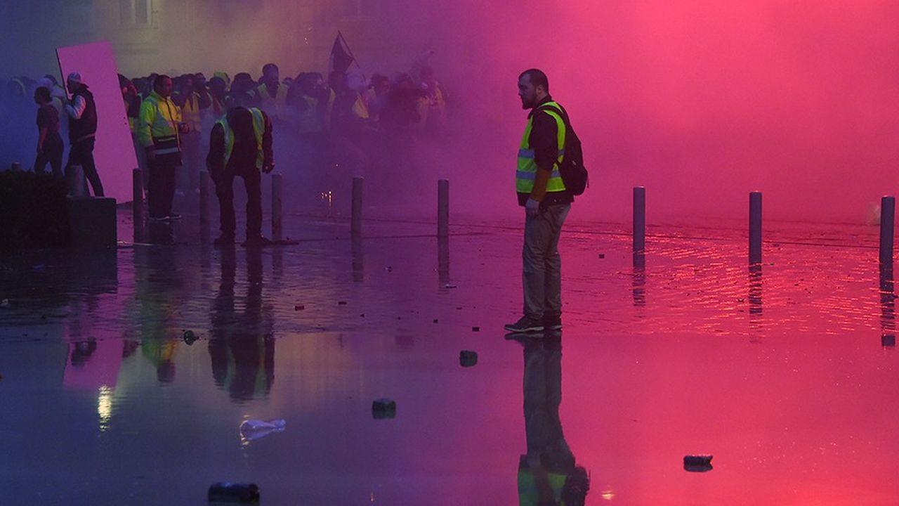 Durant les épisodes de mobilisation des gilets jaunes, Bordeaux a présenté une image éloignée de la ville apaisée qu'elle aime donner et l'économie locale a souffert.