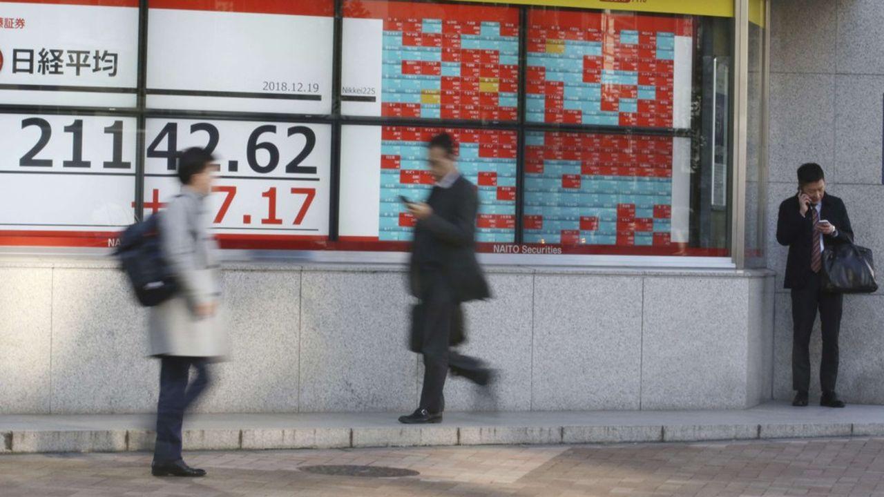 Au retour d'un week-end prolongé, le Nikkeia perdu plus de 1.000 points, sa pire dégringolade depuis le 6février 2018