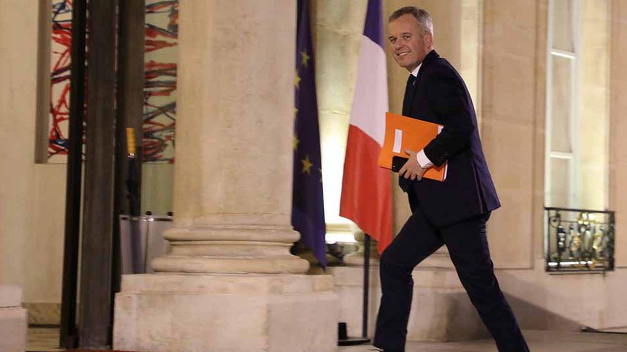 «On n'abdique pas», explique François de Rugy, soulignant que la question de la taxe carbone, déclencheur du mouvement des «gilets jaunes», sera de nouveau posée