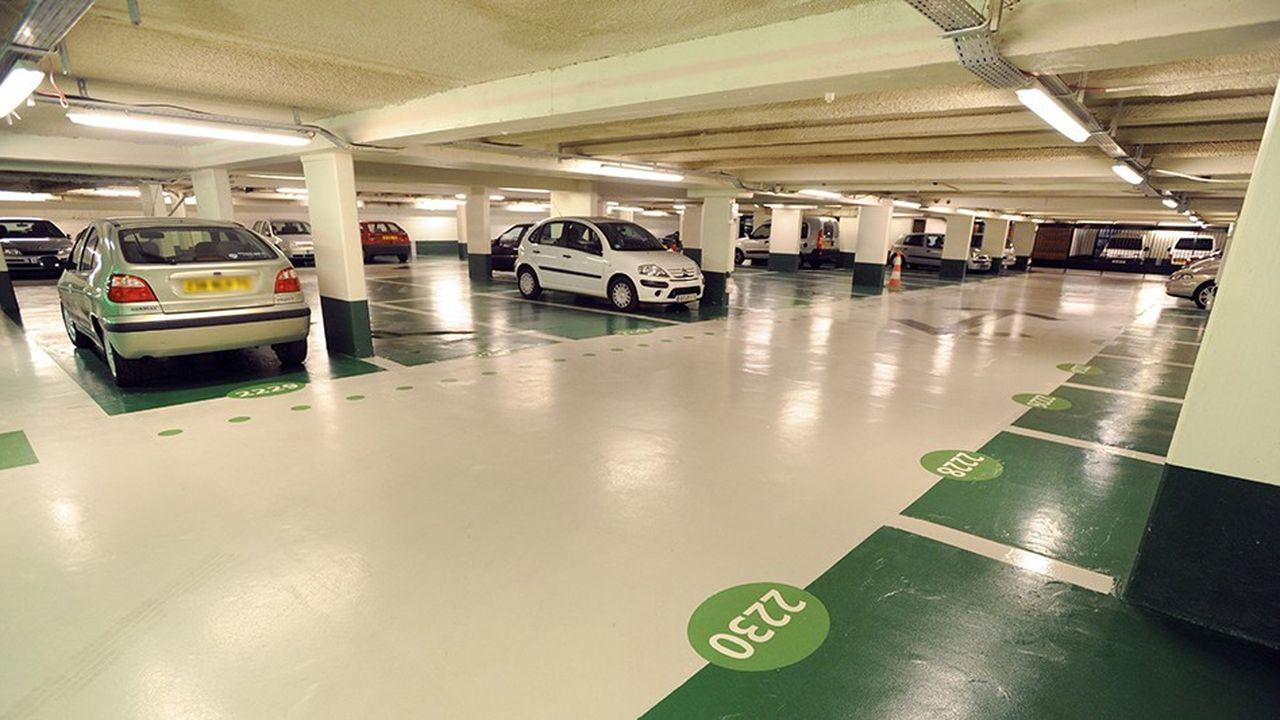 La montée en charge sera progressive, mais en 2022, les exploitants de parkings parisiens devront tout de même acquitter un montant de 7euros par mètre carré et par an.