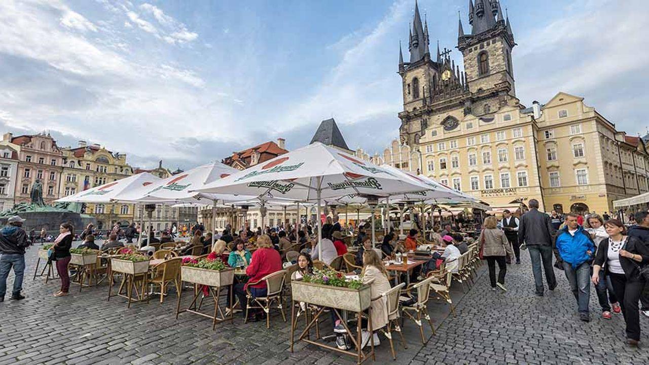 Dans les pays de l'est, ici à Prague, les jeunes ont massivement choisi l'exode pour trouver des emplois mieux payés à l'ouest de l'Europe.