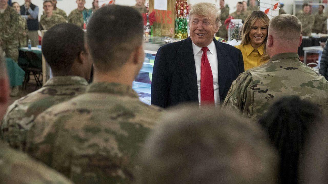 Donald et Melania Trump aux côtés des soldats américains déployés en Irak.