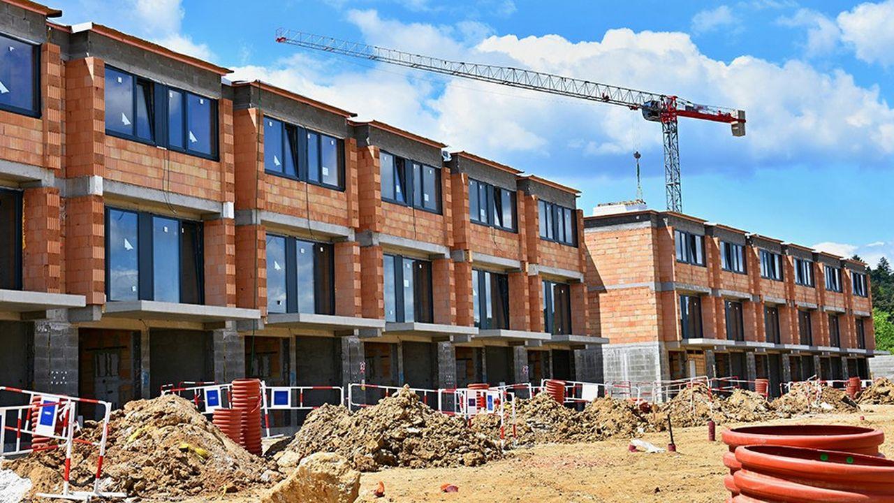 A fin novembre, 440.000permis ont été octroyés en douze mois pour construire des logements ordinaires (hors résidences de service), soit une baisse de 4,5% comparé aux douze mois précédents, contre 5,9% à fin octobre