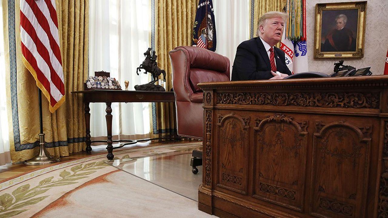 Donald Trump s'est adressé par vidéoconférence le 25décembre dernier depuis le bureau ovale aux armées américaines. Les Américains sont très sceptiques sur ses contre-vérités.