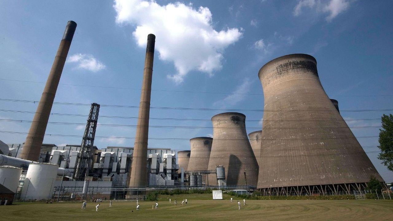 La production électrique du Royaume-Uni a atteint 335 térawattheures en 2018, en baisse de 1% sur un an, selon Carbon Brief.