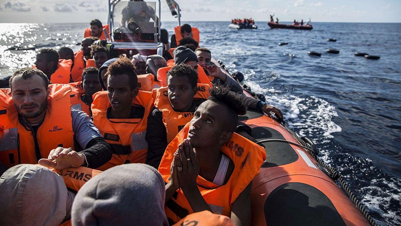 L'Italie, Malte et l'Espagne ont refusé d'accueillir les migrants actuellement en mer.