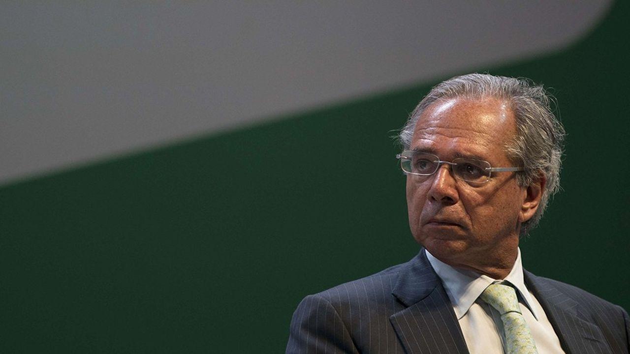 Pour le ministre de l'économie, Paulo Guedes, la réforme des retraites est «le plus important défi» à relever pour redresser les finances publiques brésiliennes.