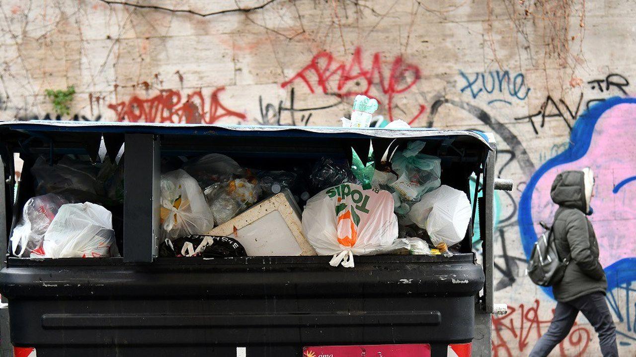 Problème récurrent de la municipalité romaine, la crise des ordures est particulièrement forte au lendemain des fêtes de fin d'année.