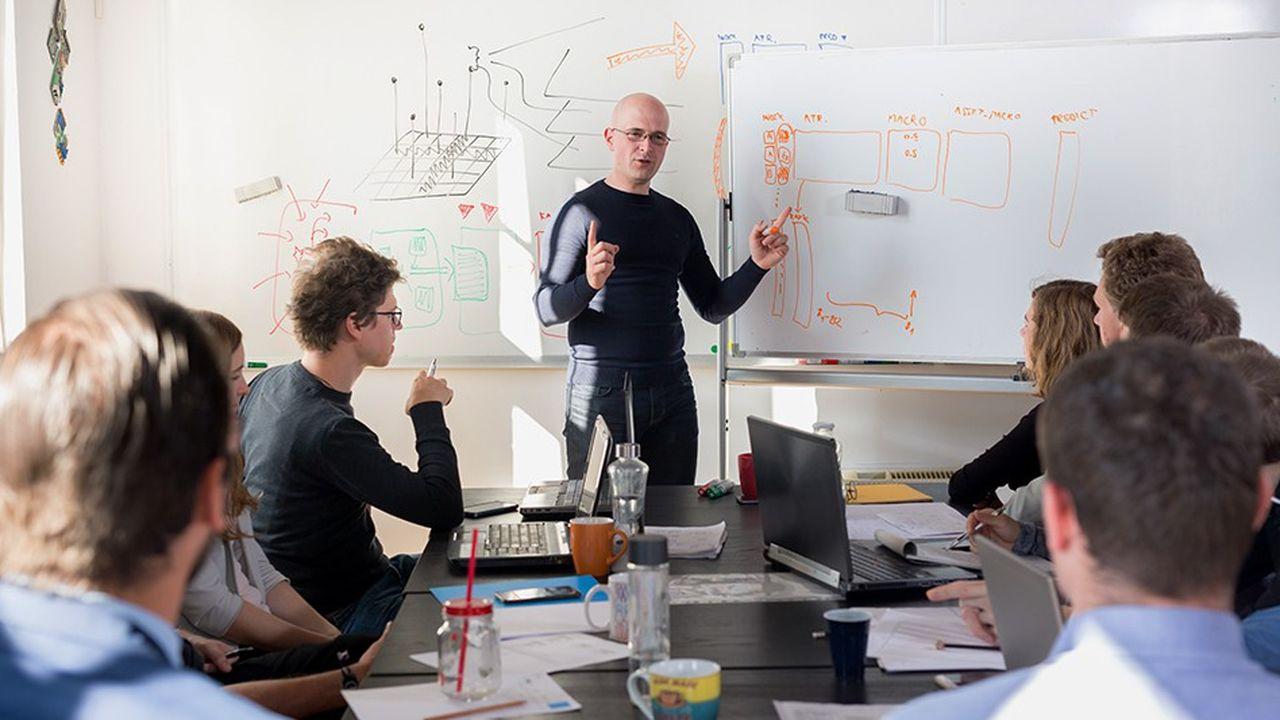 Le nouvel enseignement de spécialité «numérique et sciences informatiques» pour les élèves de première et terminale «va être implanté dans plus de 50% des établissements», a expliqué Jean-Michel Blanquer, soit «un besoin de professeurs d'informatique pour 1.500 lycées en France».
