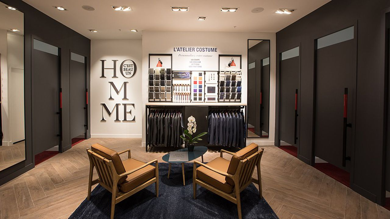 Une cinquantaine de boutiques Devred ont été dotées d'espaces , inspirés des codes du luxe, dans lesquels le client peut choisir entre 26 modèles de vestes et 36 matières différentes.